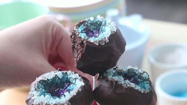 Geode Cake Pops from Cookies